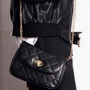 Handbags - Quilted vegan leather fanny pack / crossbody bag